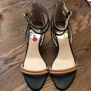 Vince Camuto NWT